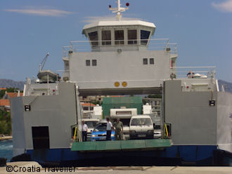 Drvenik-Sucuraj car ferry