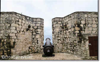 Cannon in Hvar's Fortiza