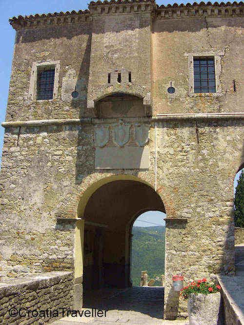 Motovun Entrance